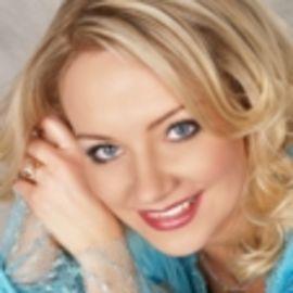 Sara Paulson Brummett Headshot