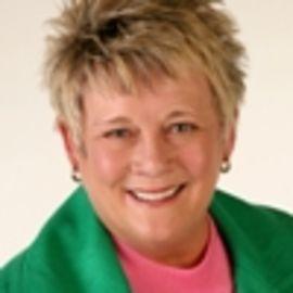 Susie Shellenberger Headshot