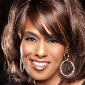 Jennifer Holliday Headshot