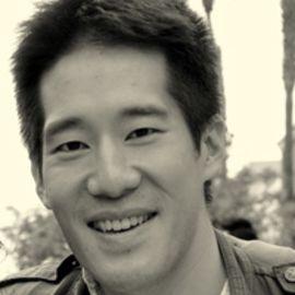 Eric Feng Headshot