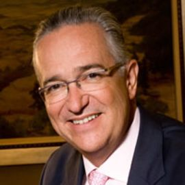 Ricardo Salinas Headshot