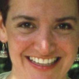 Lea Esterhuizen Headshot