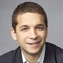 Daniel Roth Headshot