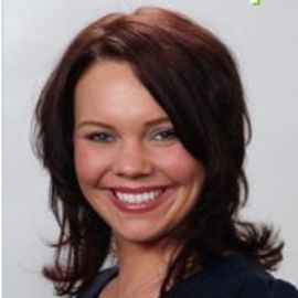 Stacy Nadeau Headshot