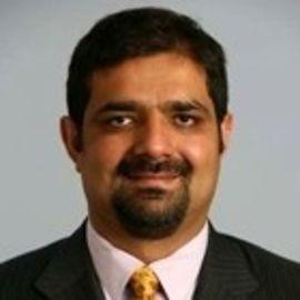 Karim R. Lakhani Headshot