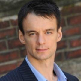 Andrei Hagiu Headshot