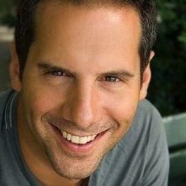 Seth Herzog Headshot
