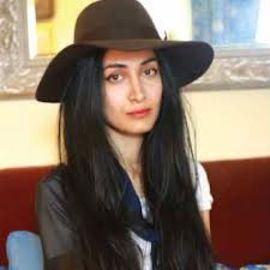 Nadia Sarwar Headshot