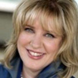 Laura Leist Headshot