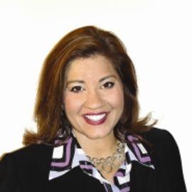 Pam Stenzel Headshot