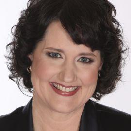 Linda Swindling Headshot