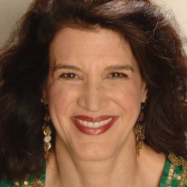Karen Russo Headshot