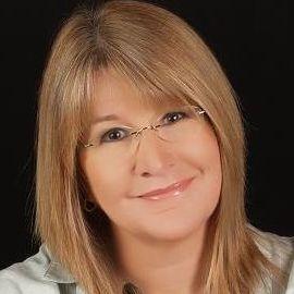 Tami Osmer Glatz Headshot