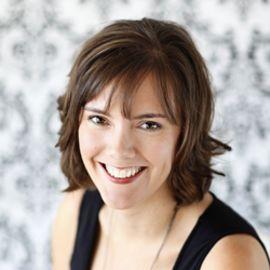 Kelly Whalen Headshot