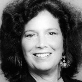 Linda Villatore Headshot