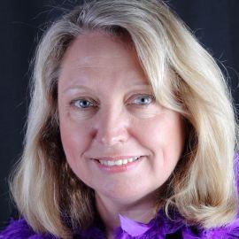 Maggie Wood Headshot