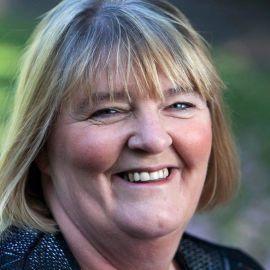 Louise Barson Headshot