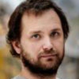 Tomas Saraceno Headshot