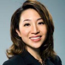 Peggy Liu Headshot