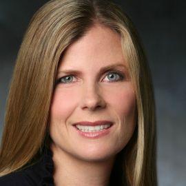 Nicole Clemens Headshot