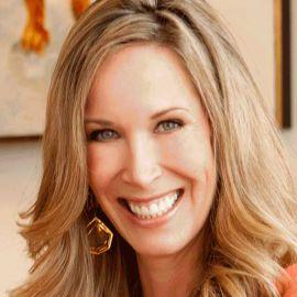 Lori Dennis Headshot