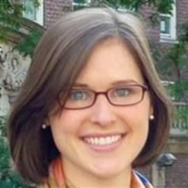 Beth Akers Headshot