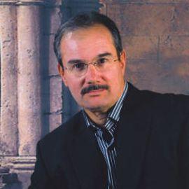 Humberto Fontova Headshot