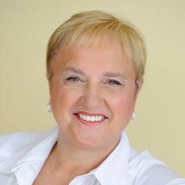 Lidia Bastianich Headshot