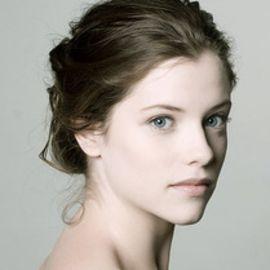 Jessica De Gouw Headshot