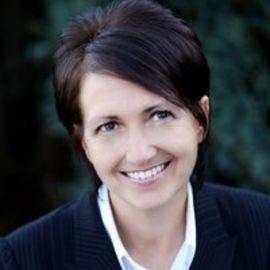Karen Whitelaw Smith Headshot