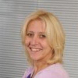Helen Paulus Headshot