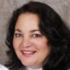 Maria R. Pearson Headshot