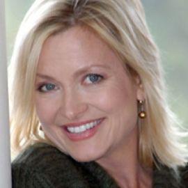 Kristine Carlson Headshot