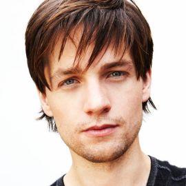 Gregory Smith / Actor Headshot
