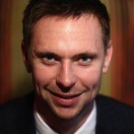 Robin Soderling Headshot
