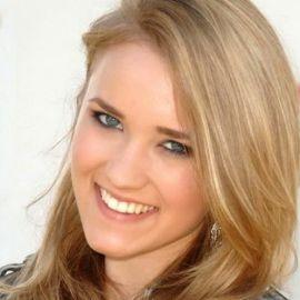 Emily Osment Headshot