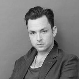 Mark Holmes (Stylist) Headshot