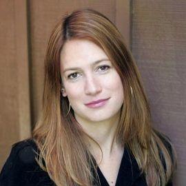 Gillian Flynn Headshot