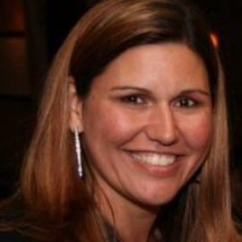 Heather Elias Headshot