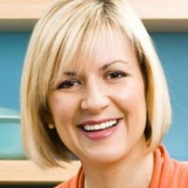 Anna Olson Headshot