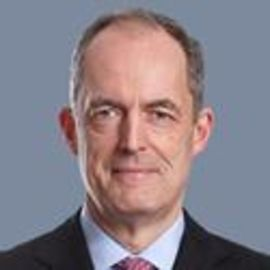 Gisbert Rühl Headshot