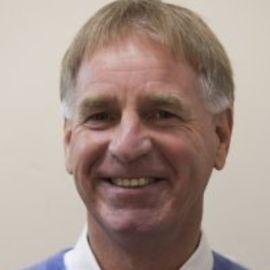 Dr. Peter Mackay Headshot