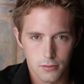 Beck Bennett Headshot