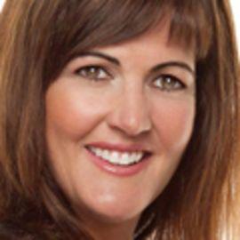 Kellie McElhaney Headshot