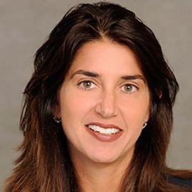 Laura Gentile Headshot