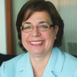 Ana-Mita Betancourt Headshot