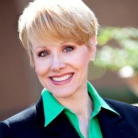Debra Davenport Headshot
