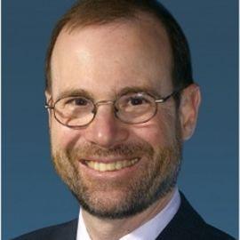 Stephen Adler Headshot