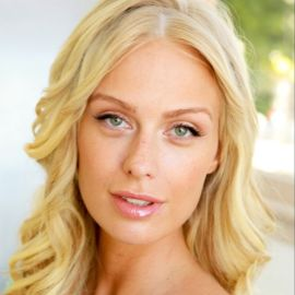 CariDee English Headshot