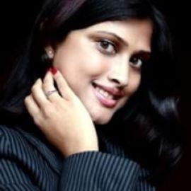 Meghna Raghoobar Headshot